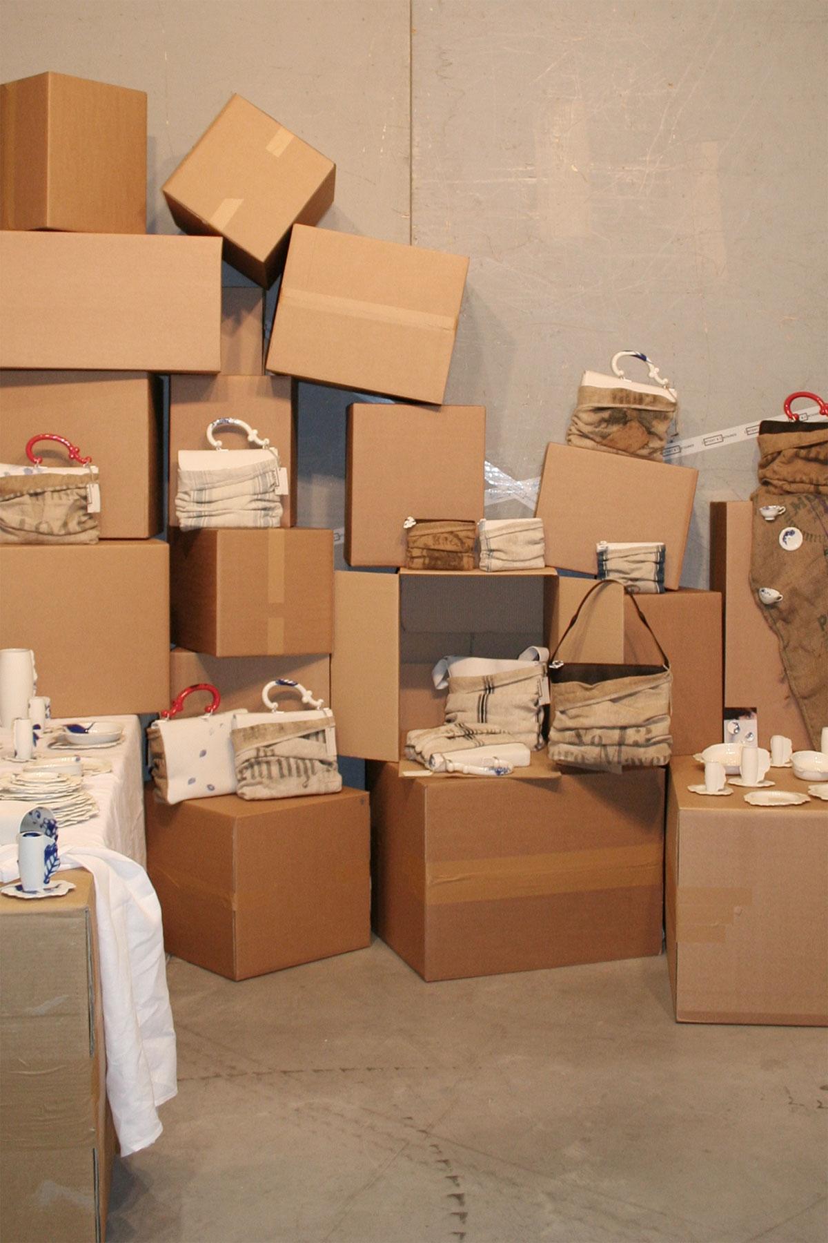 maison et objet 01 11 exhibitions content container by pia pasalk. Black Bedroom Furniture Sets. Home Design Ideas